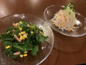 ベーコンとキノコのほうれん草サラダ/彩り大根サラダ